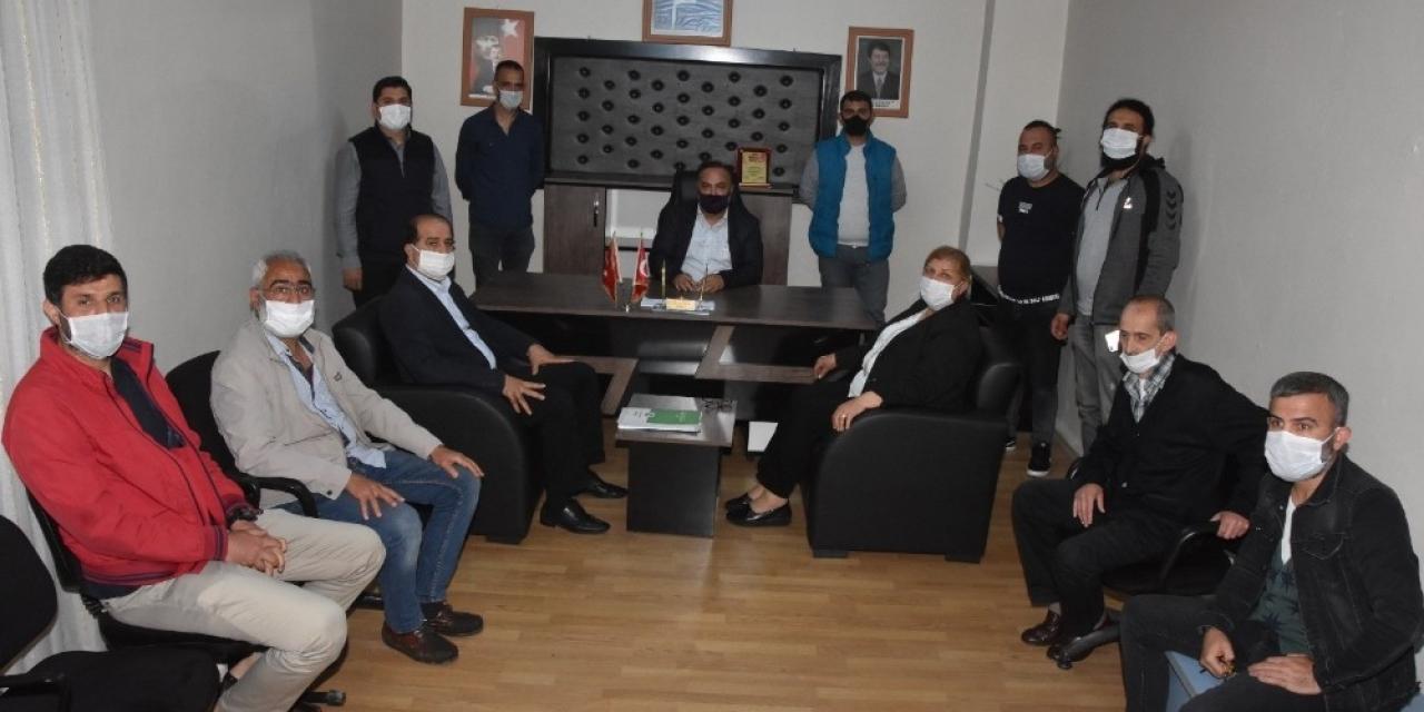 Başkan Erdem'den kuaför ve berberlere destek sözü