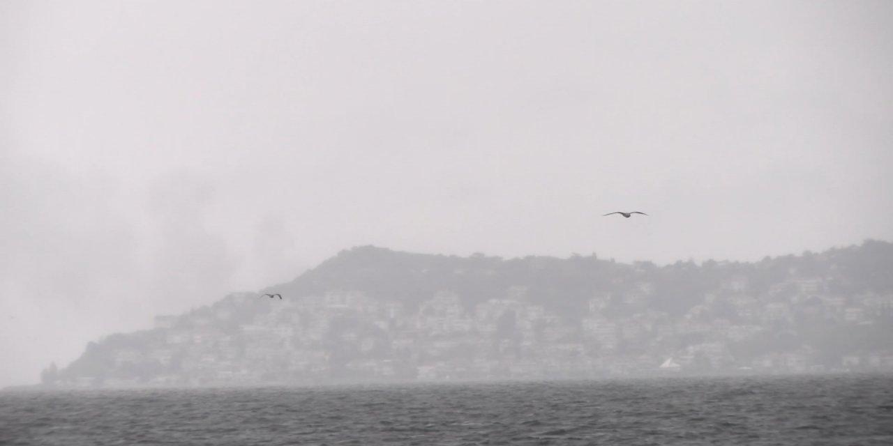 Kınalıada'dan yükselen dumanlar panik yarattı