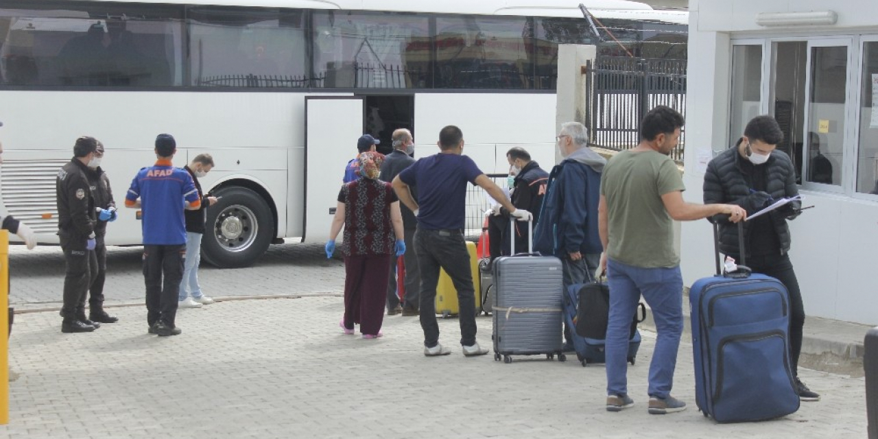 Almanya'dan Giresun'a getirilen Türk vatandaşları karantina sürecini tamamladılar