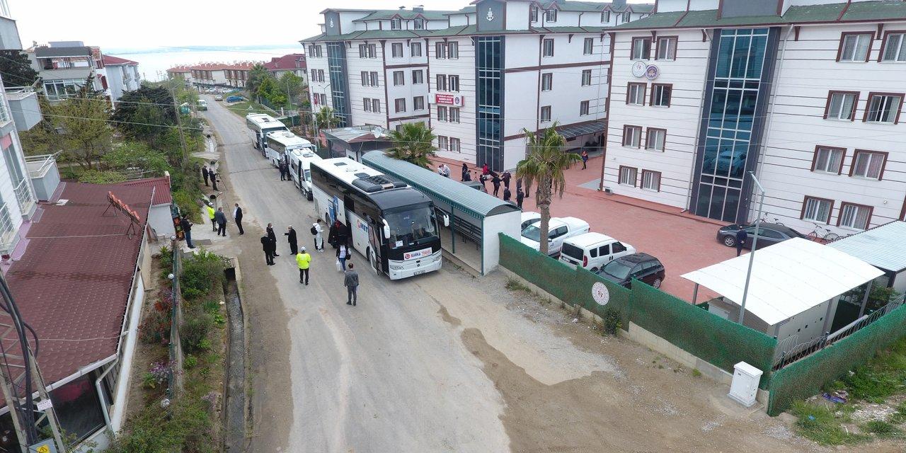 Sinop'ta karantina süresi dolan 237 kişi, evlerine uğurlandı