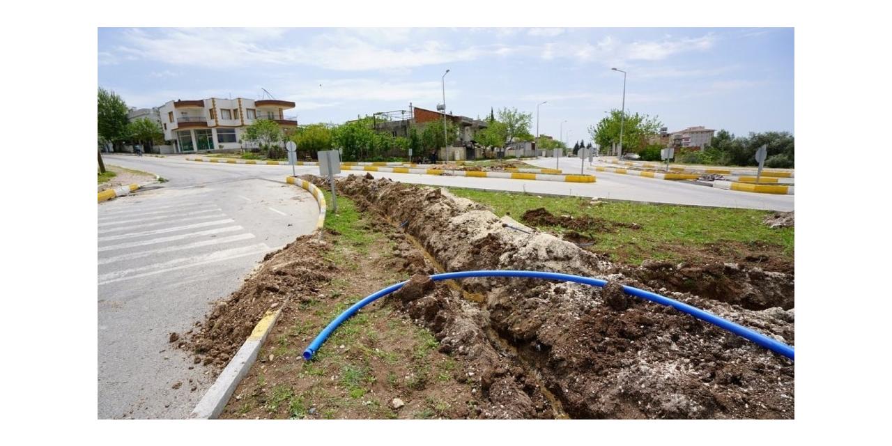 Akkonut Kavşağına otomatik sulama sistemi döşendi