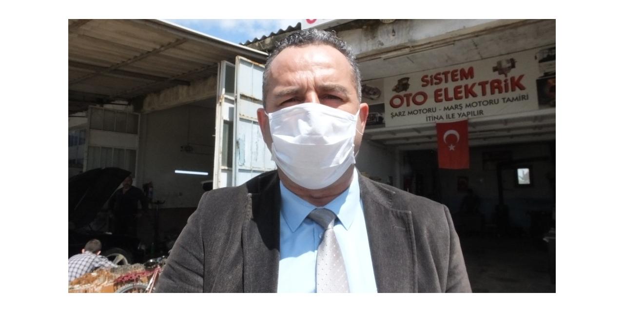 Burhaniye'de belediye kapı kapı ücretsiz maske dağıtıyor