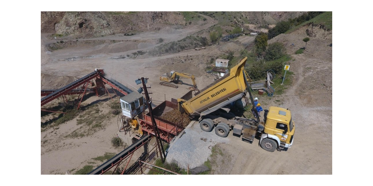 Ayvalık'ta taş ocağı 5 yıl sonra yeniden faaliyete geçirildi