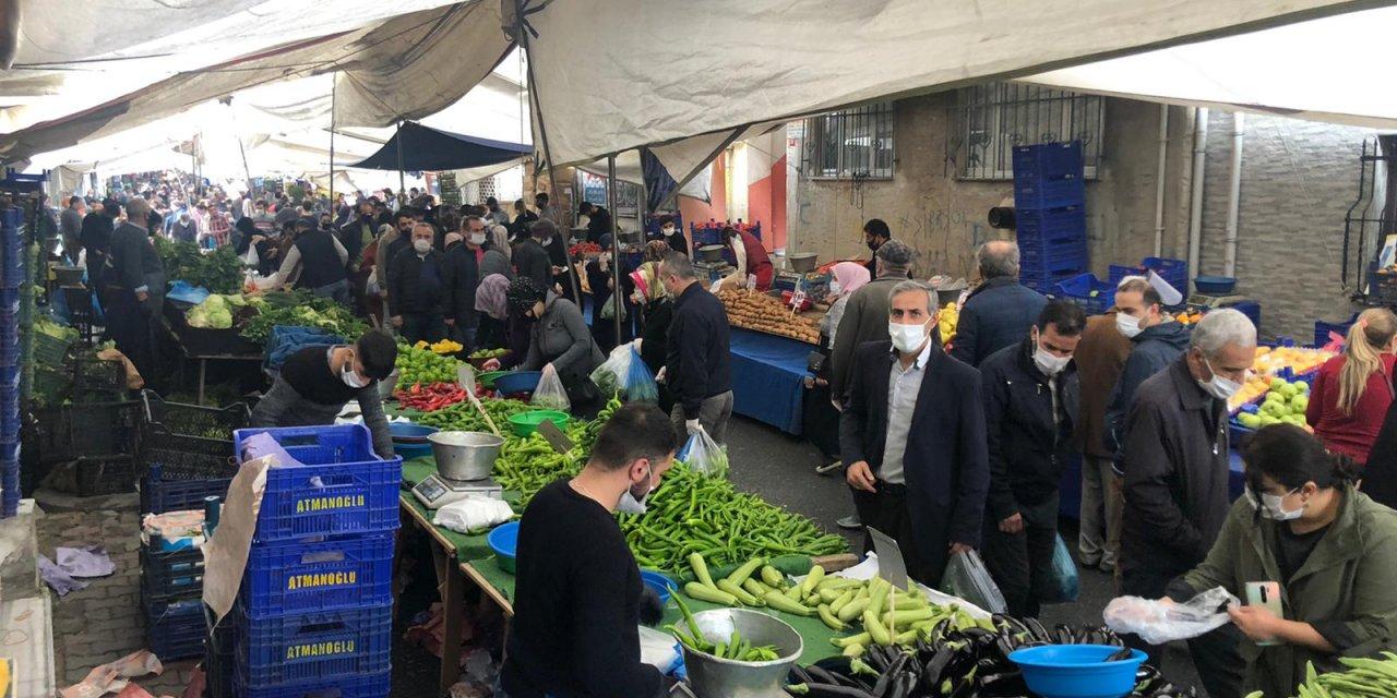 Esenler'de semt pazarında adım atacak yer kalmadı