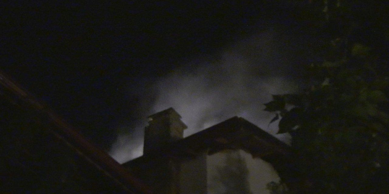 Silivri'de çatı katı'nda yangın çıktı