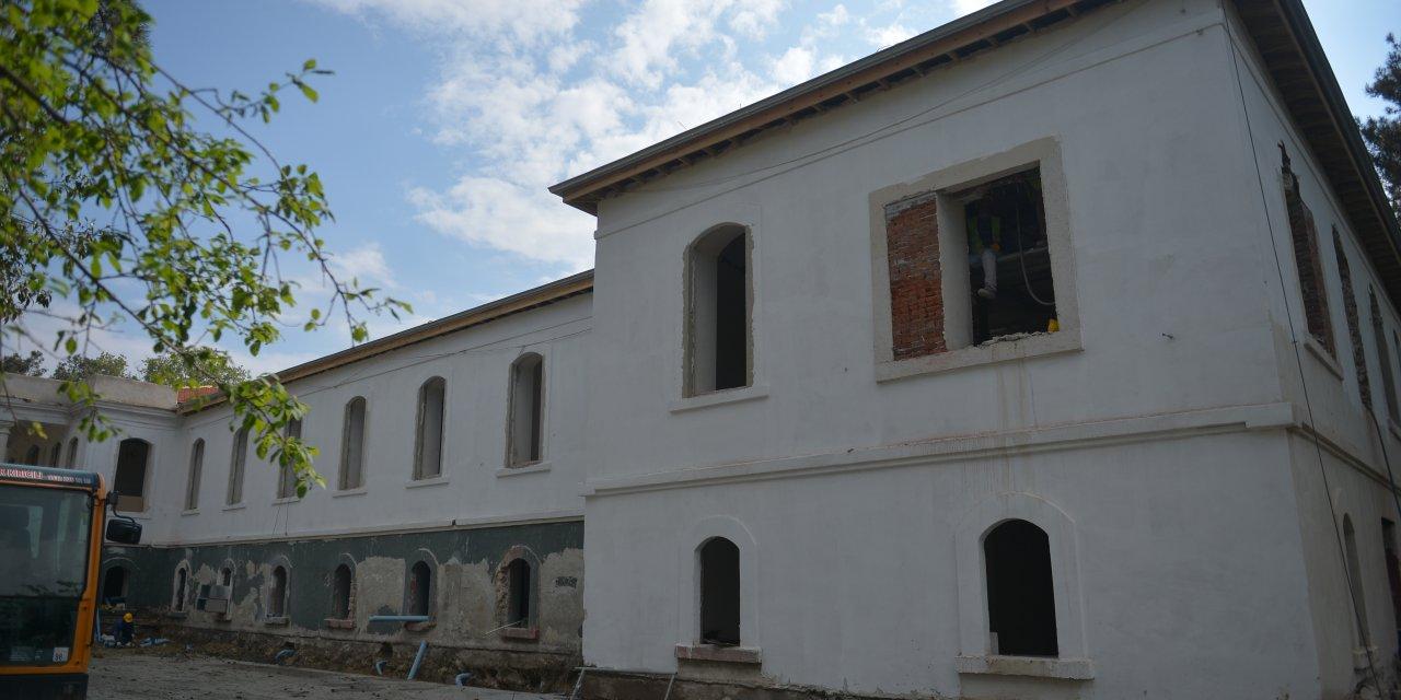 (fotoğraflar) Tarihi Hadımköy Askeri Hastanesi'nde restorasyon çalışmaları devam ediyor