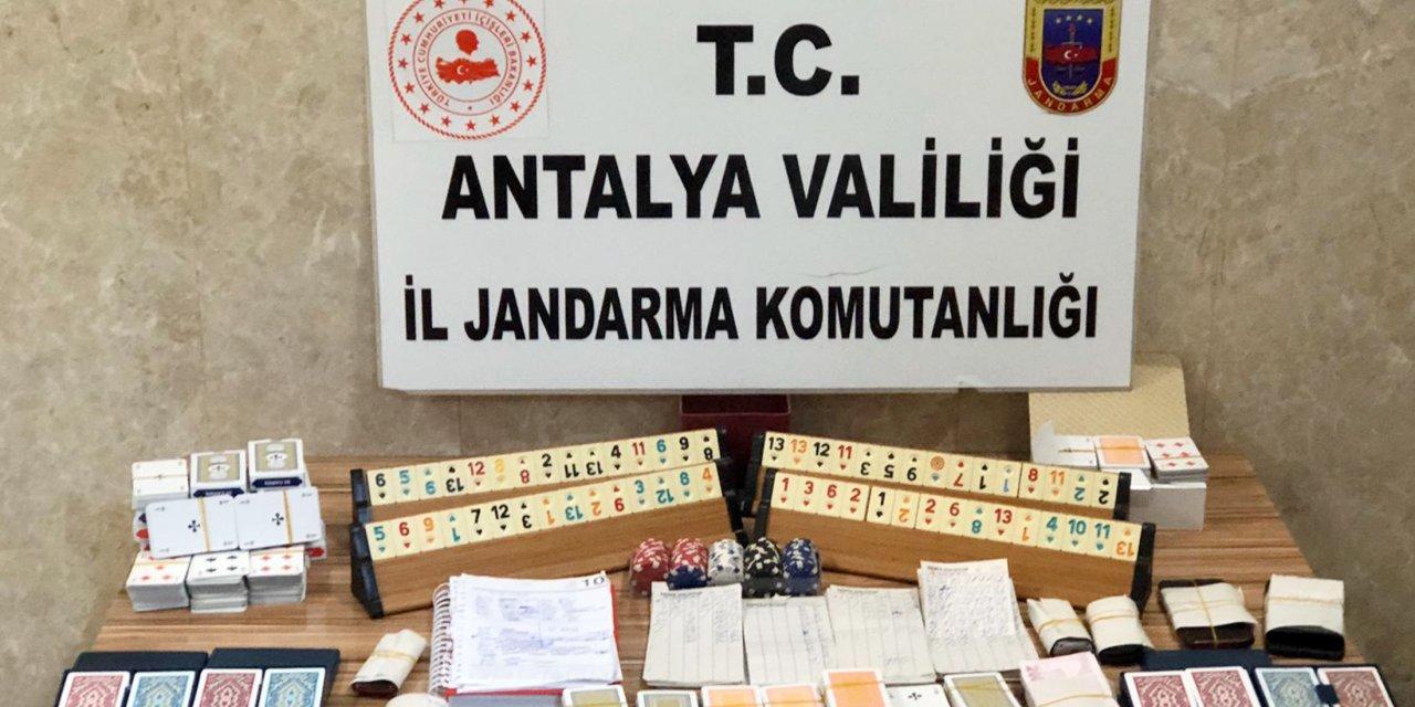 Alanya'da kumar oynayan 28 kişiye 99 bin 225 TL ceza