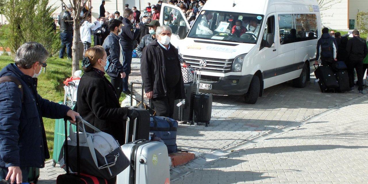 Yozgat'ta karantinaya alınan 313 kişi, memleketlerine uğurlandı