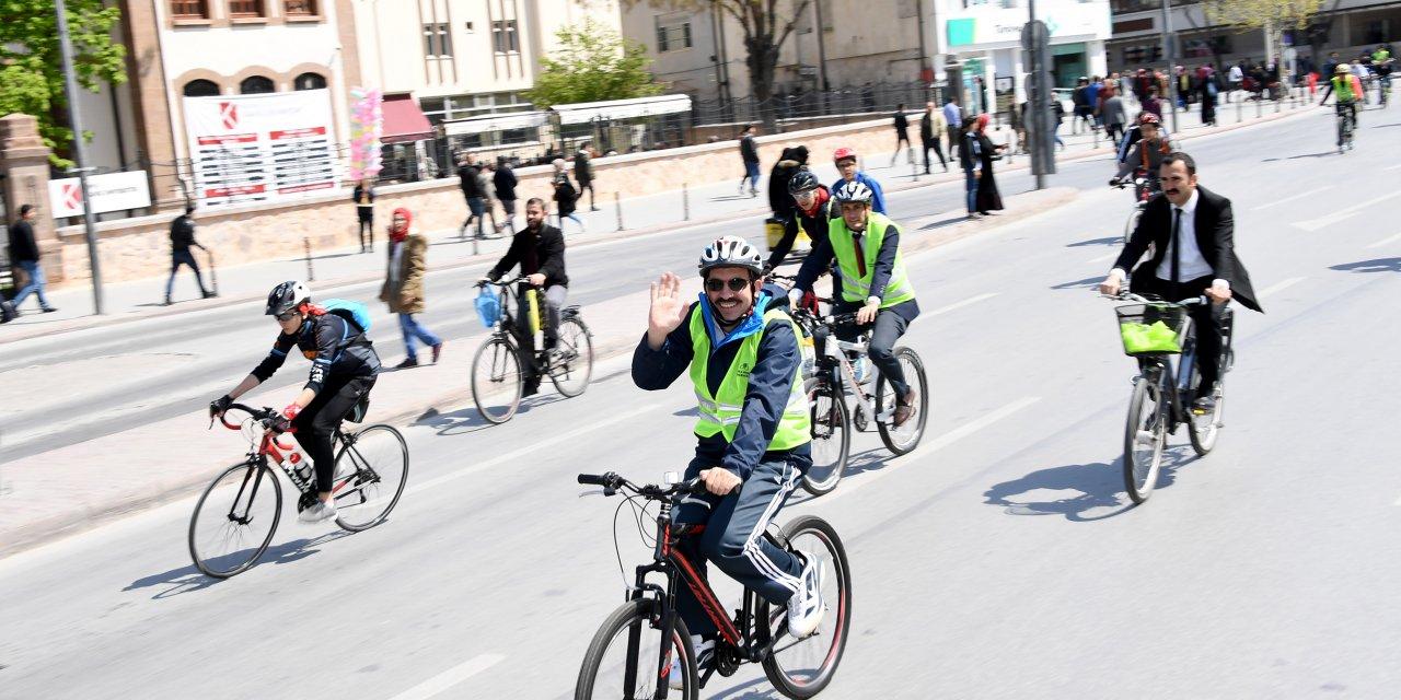 Başkan Altay: Koronavirüsten korunmak için en ideal ulaşım aracı bisiklettir