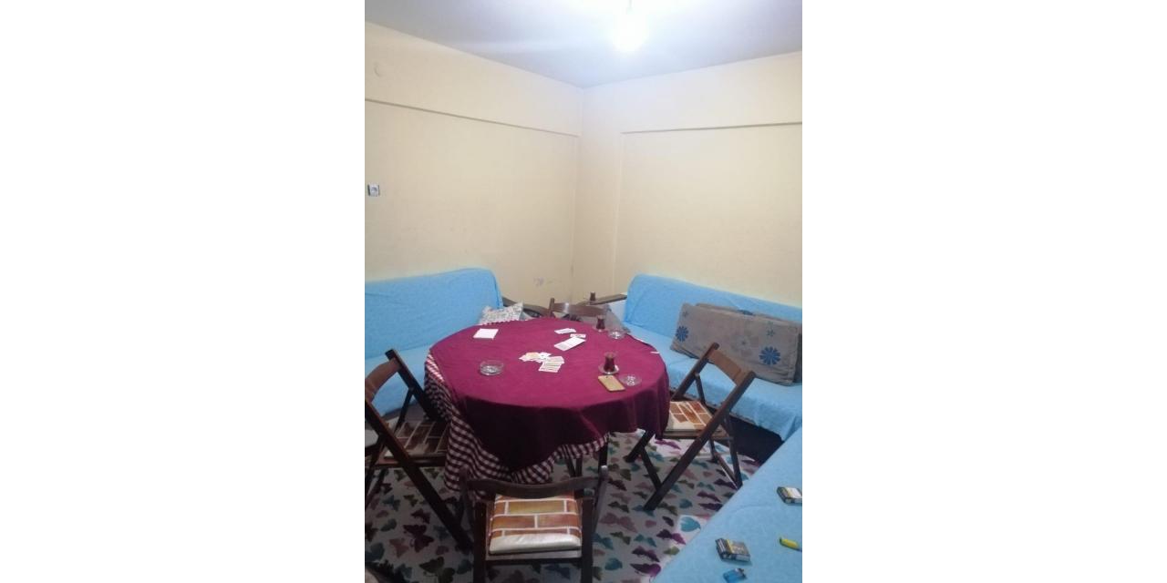 Kastamonu'da kumar oynayanlara jandarma ekiplerinden baskın