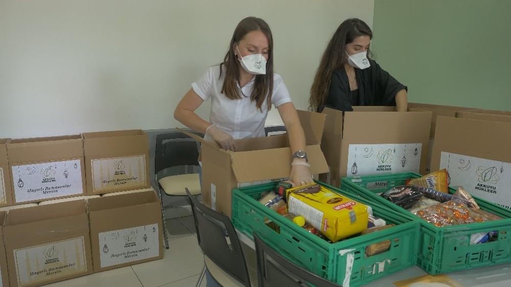 Akkuyu NGS çalışanları Mersinlilerin bayramını gıda paketiyle kutladı