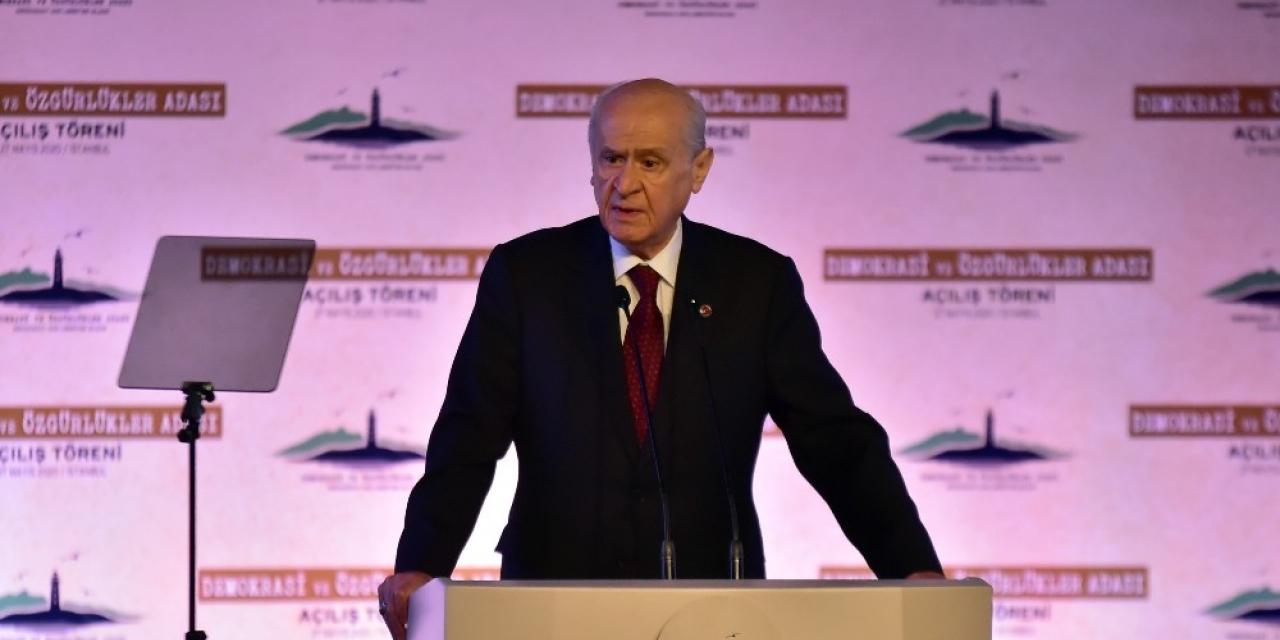 """MHP lideri Bahçeli: """"Yassıada'da hukuka deli gömleği giydirilmiştir"""""""