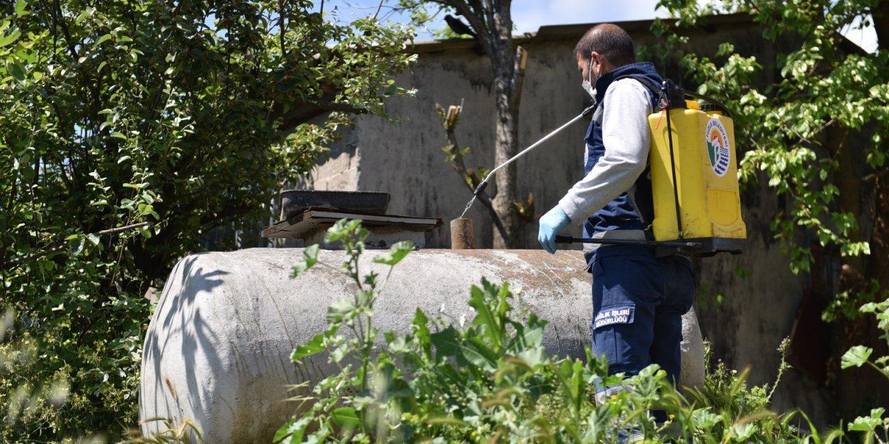 Tuzla'da çevre dostu ilaçlama devam ediyor