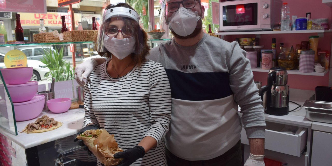 İzmir'in sokak lezzeti 'söğüş'e anne eli değdi