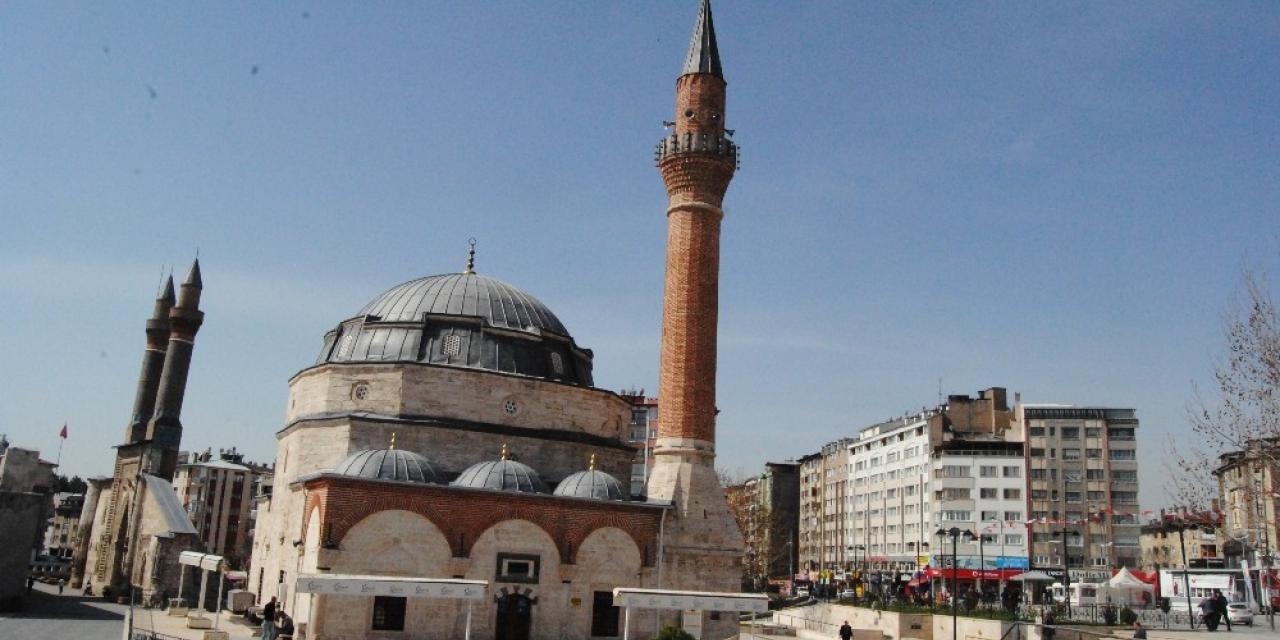 Sivas'ta bin 362 cami bulunuyor