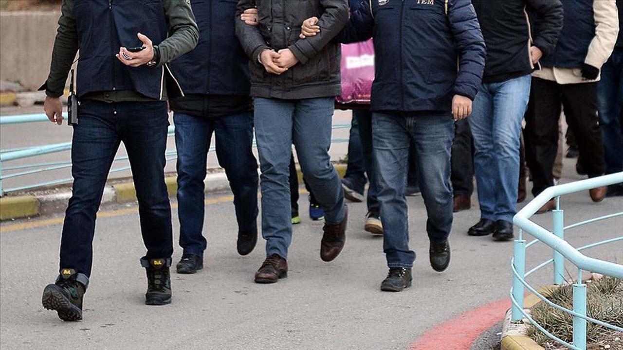 İzmir merkezli 56 ilde FETÖ operasyonu düzenlendi!