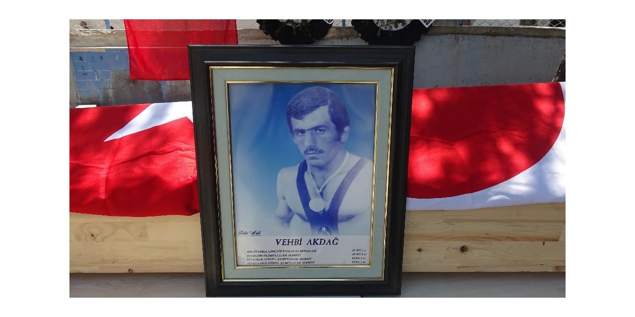 Milli güreşçi Akdağ, son yolculuğuna uğurlandı