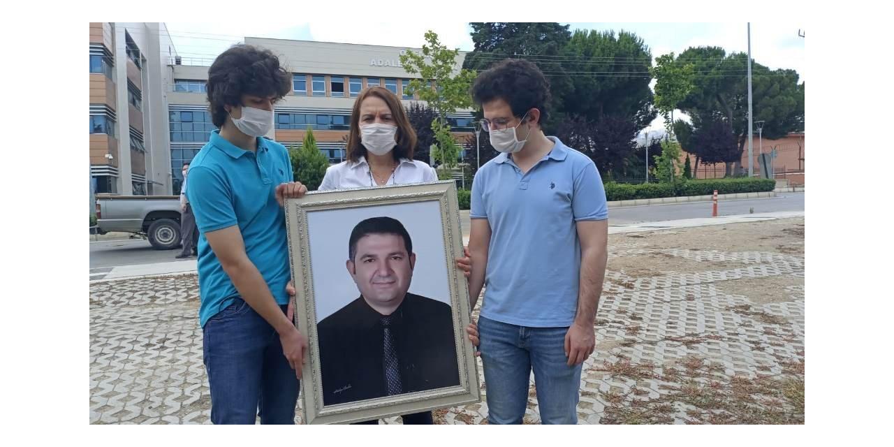 İzmir'de okul müdürünün öldürülmesine ilişkin davanın görülmesine devam edildi