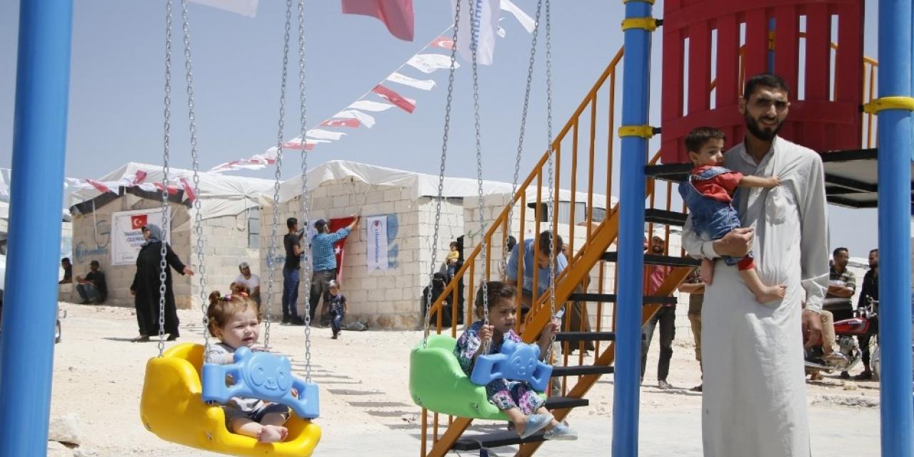 İdlib'de Türkiye 5 bin biriket evin inşasına devam ediyor