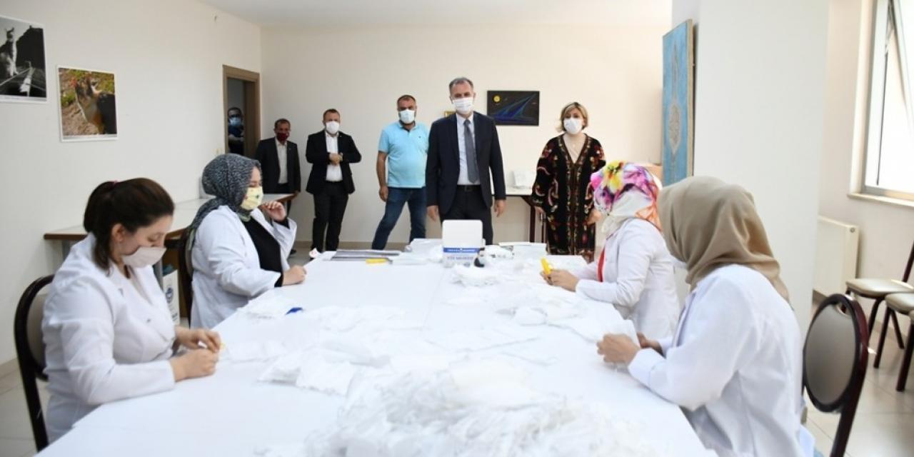Terziler Odası üyelerinin maskeleri İnegöl Belediyesi'nden