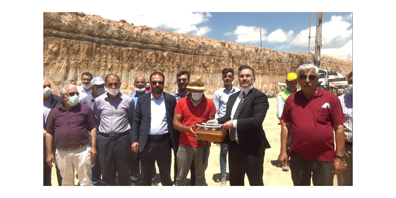 Ahlat'ta tarım ürünlerinin pazarlanması için sanayi kuruluşları artıyor
