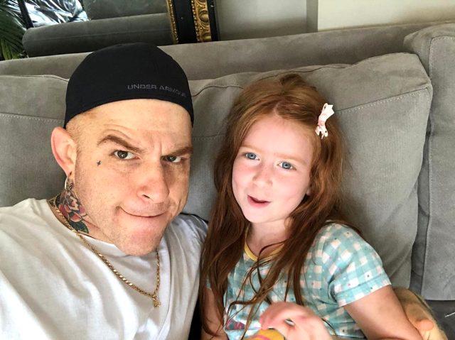 Athena Gökhan kızının resmini ilk kez paylaştı