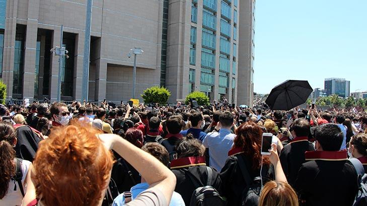 İstanbul Adalet Sarayı önünde eylem