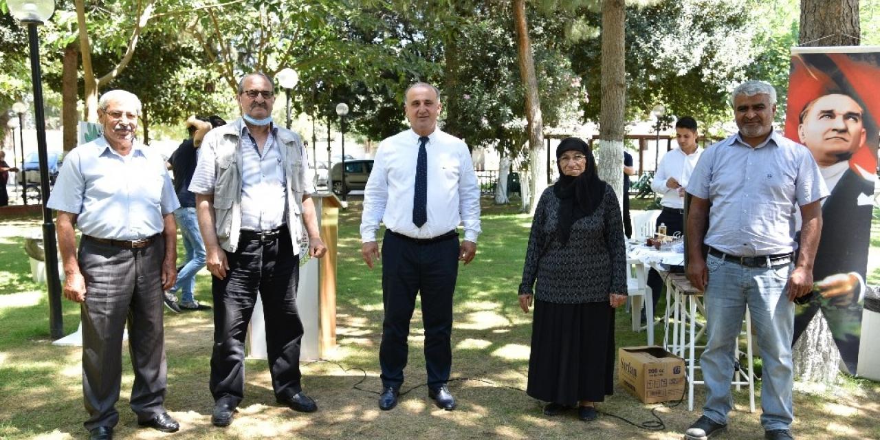 Başkan Kaya, emekli belediye başkanları ile belediye çalışanları buluştu