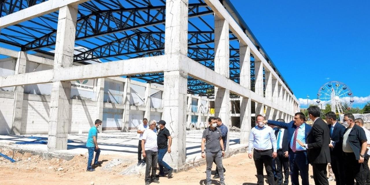 Gürkan, Kongre ve Fuar Merkezinde inşaatında inceleme yaptı