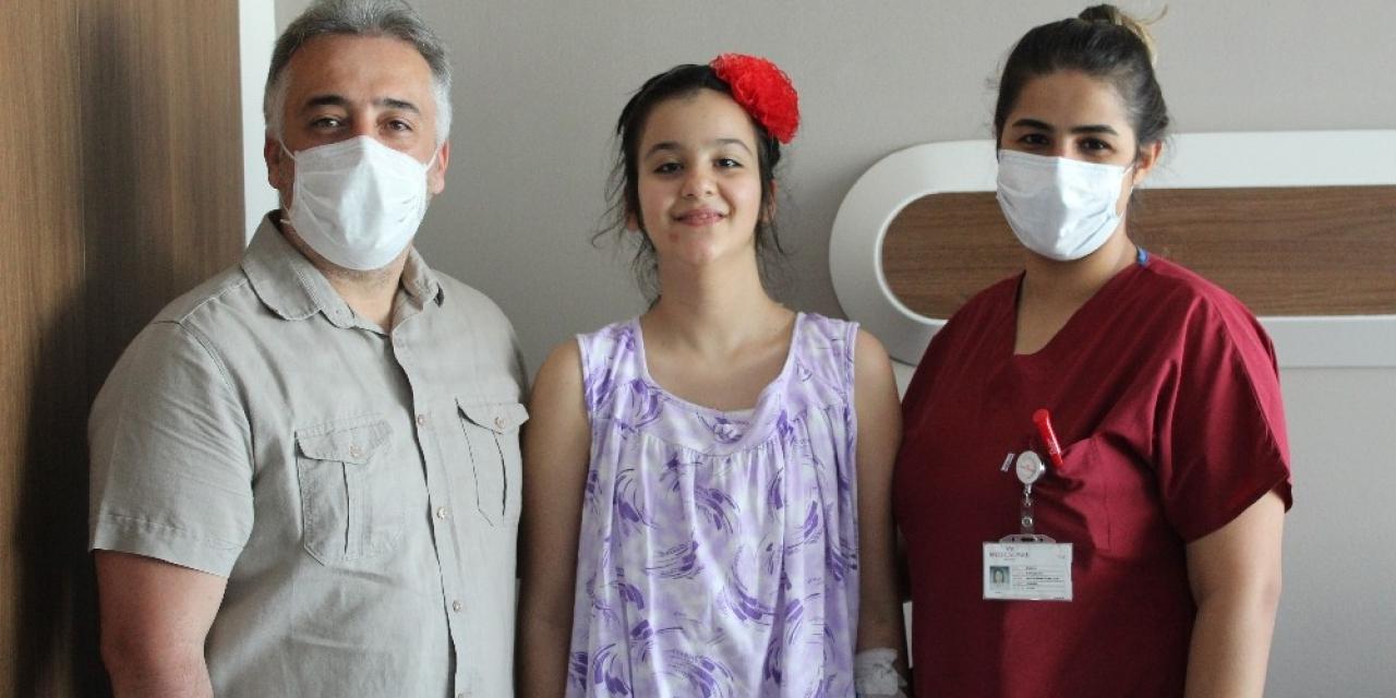 11 yaşındaki Buse, skolyoz ameliyatıyla sağlığına kavuştu
