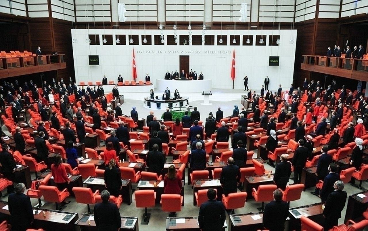 AK Parti Grup Başkanvekili  Muhammet  Emin Akbaşoğlu Kovid-19'a yakalandı