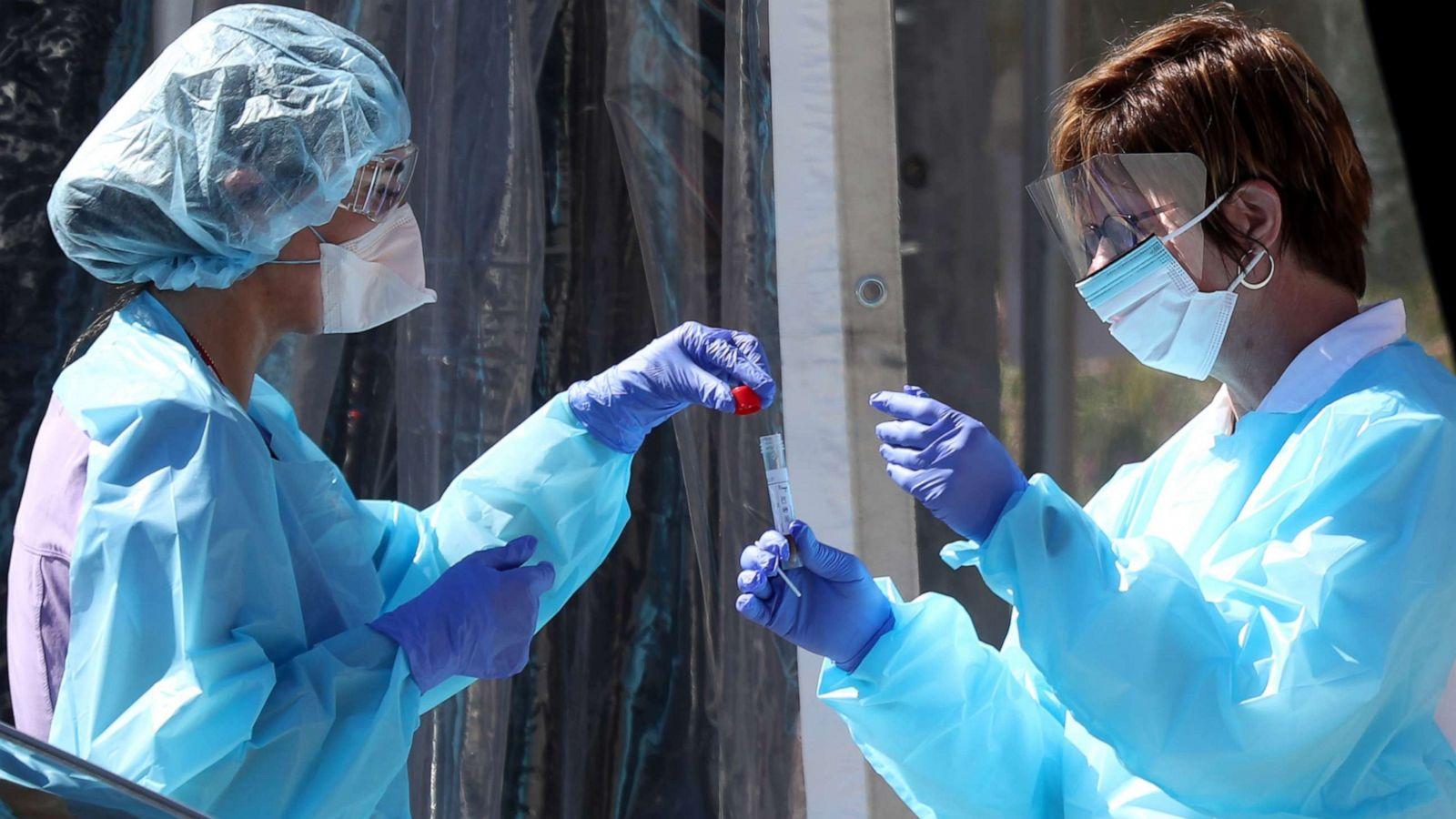 Özlü'den yeni virüs hakkında açıklama: Gelecek kış çok çetin geçebilir