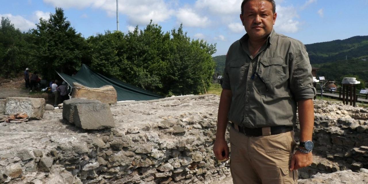 20 kişilik ekip titizlikle çalıştı, 2700 yıllık antik kentin kriptosu ortaya çıkartıldı