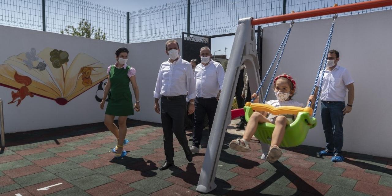 Mersin halinde çalışan kadınların çocukları için kurulan kreş, öğrenci kabulüne başladı