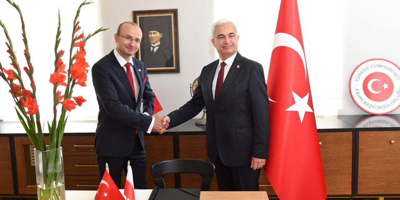 Türkiye Polonya'da fahri konsolosluk açtı