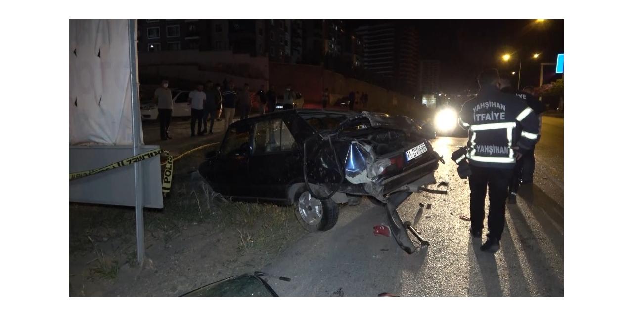 Takla atan otomobil metrelerce sürüklendi: 2 yaralı