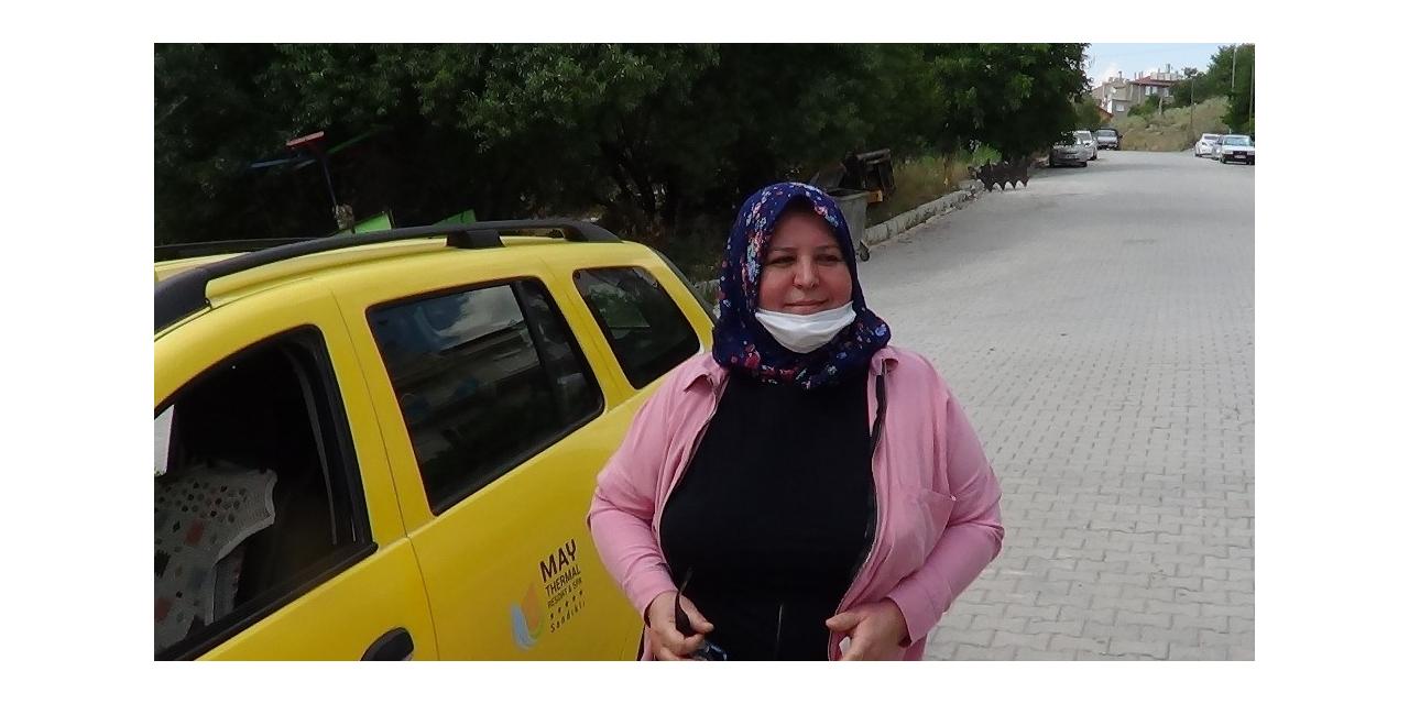 46 yaşındaki kadın hem katmer tezgahında hem direksiyon başında