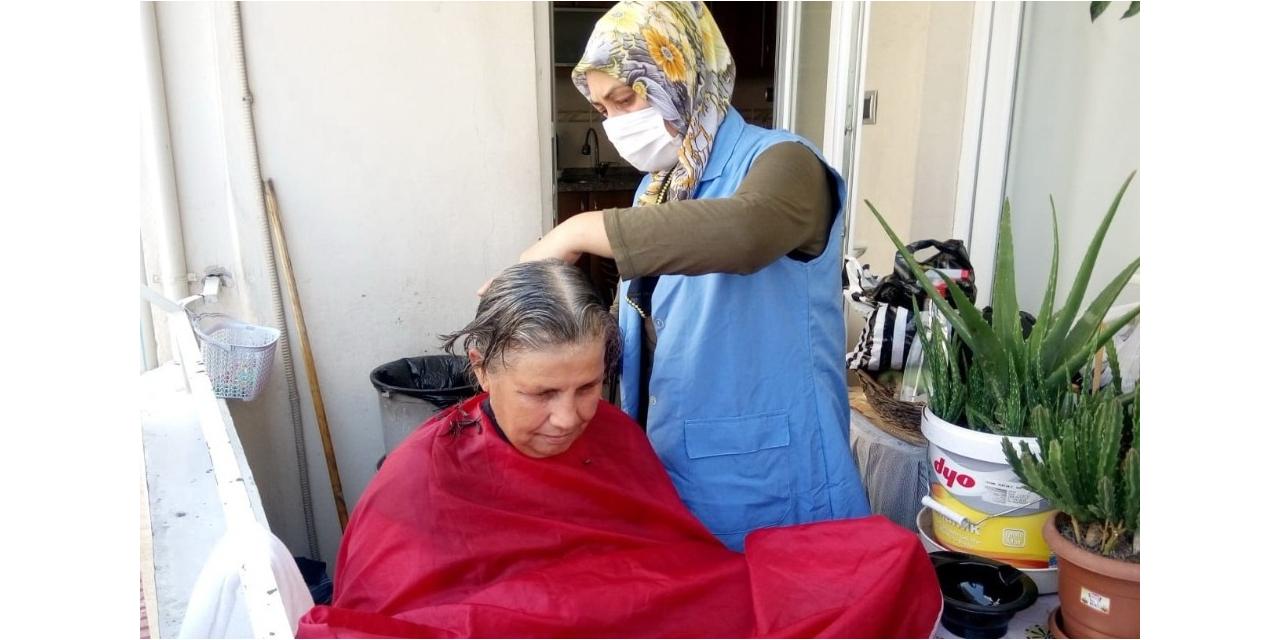 Akdeniz Belediyesi, yaşlı ve engellileri yalnız bırakmıyor