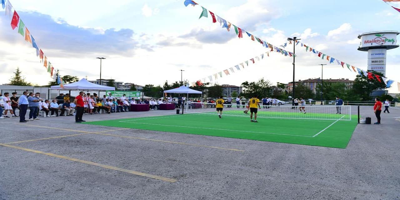 Malatya'da ayak tenisi heyecanı