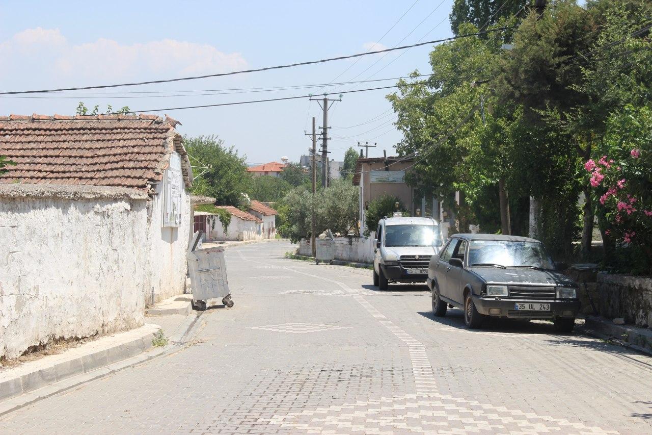 İzmir'de 70 kişide korona virüs çıkan mahallede 4 kişi hayatını kaybetti