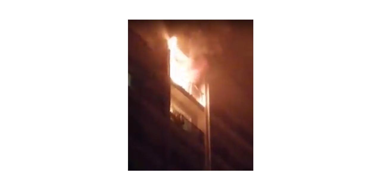 Esenyurt'ta bir aparmanın dokuzuncu atında çıkan yangın paniğe neden oldu