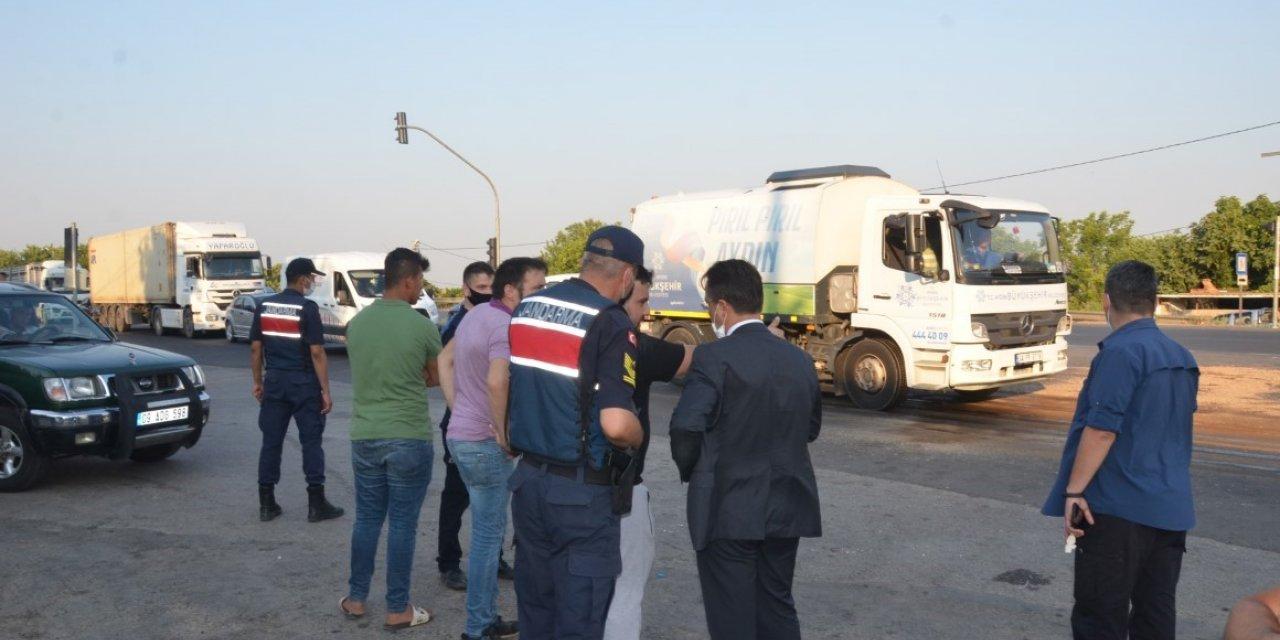 Otomobil ile tarım işçilerinin taşındığı minibüs çarpıştı: 7 yaralı