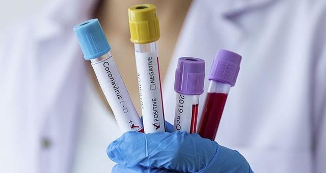 Öğretmen 9 öğrencisine koronavirüs bulaştırdı