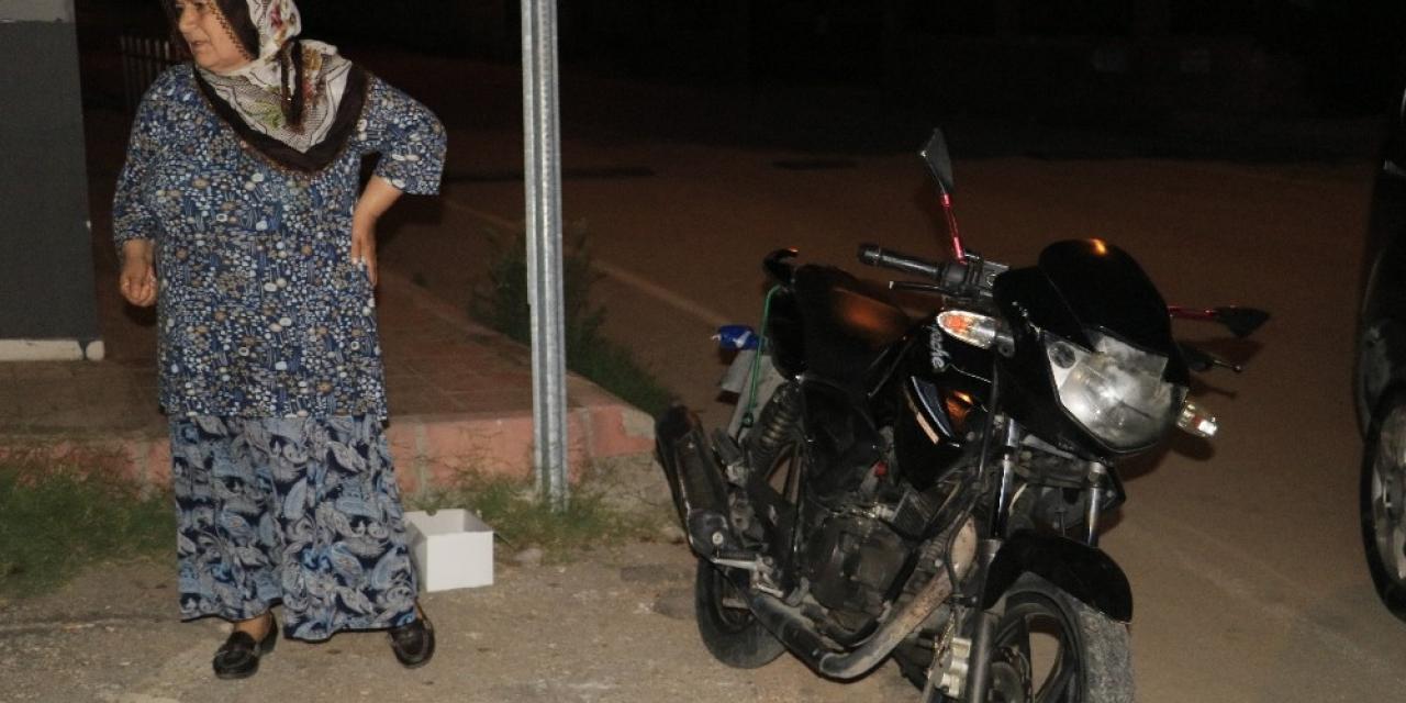 Motosiklet hırsızları suçüstü polise yakalandı