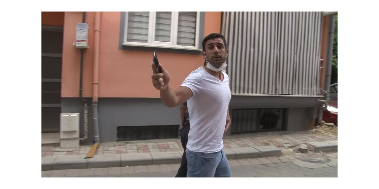 Öfkelenen kardeş, av tüfeği ile ağabeyinin evini bastı
