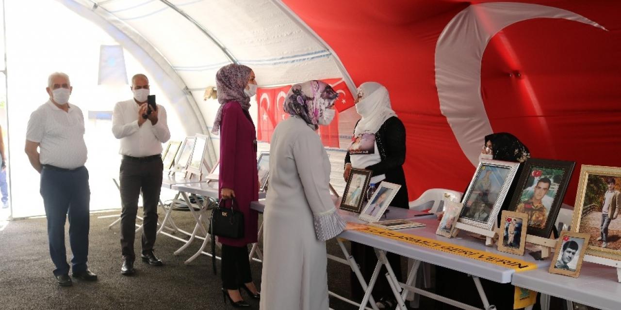 Hak-İş'ten evlat nöbetindeki ailelere destek ziyareti