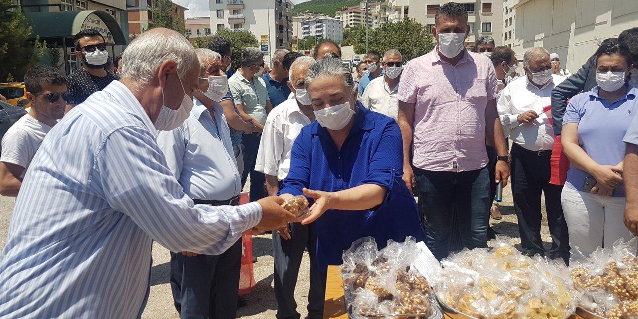Tunceli'de Ayasofya için lokma dağıtıldı