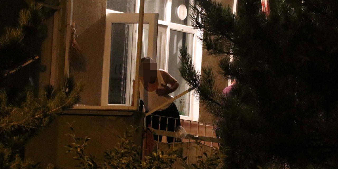 Kayınbiraderi ile tartışan terzi balkonda pompalı tüfekle 2.5 saat bekledi