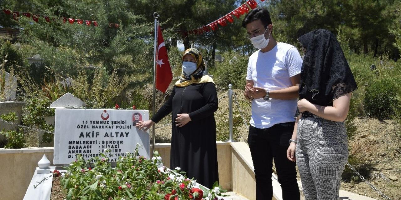 15 Temmuz şehidi polis memuru Akif Altay, kabri başında anıldı