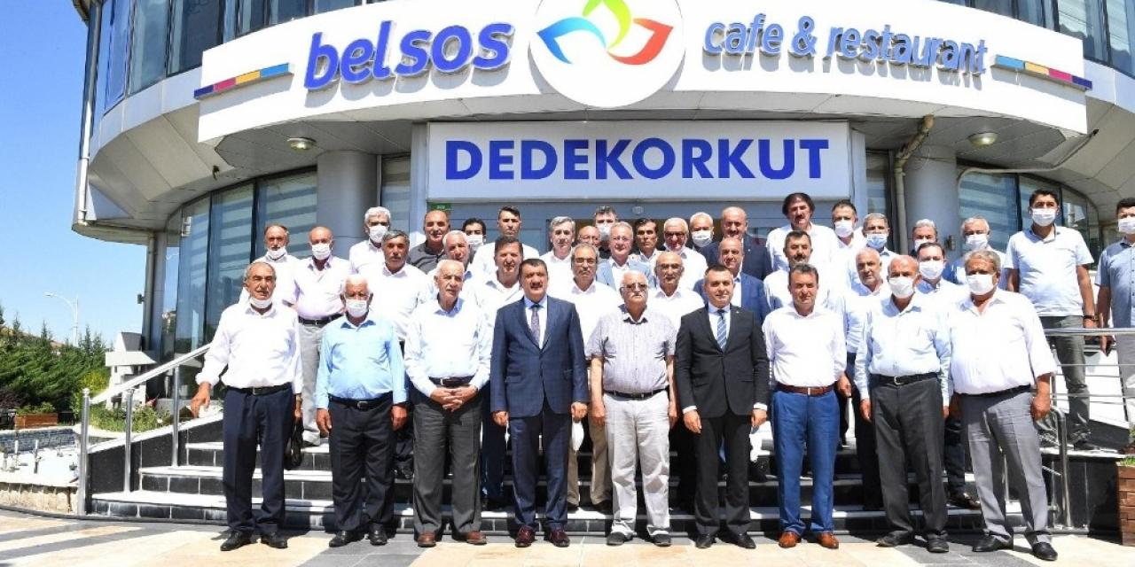 AK Parti istişare toplantısı düzenledi